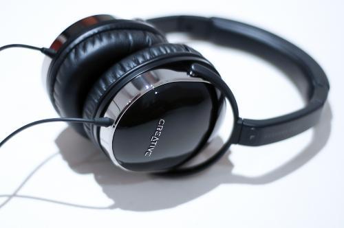 headphones9of10.jpg