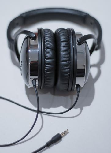 headphones10of10.jpg