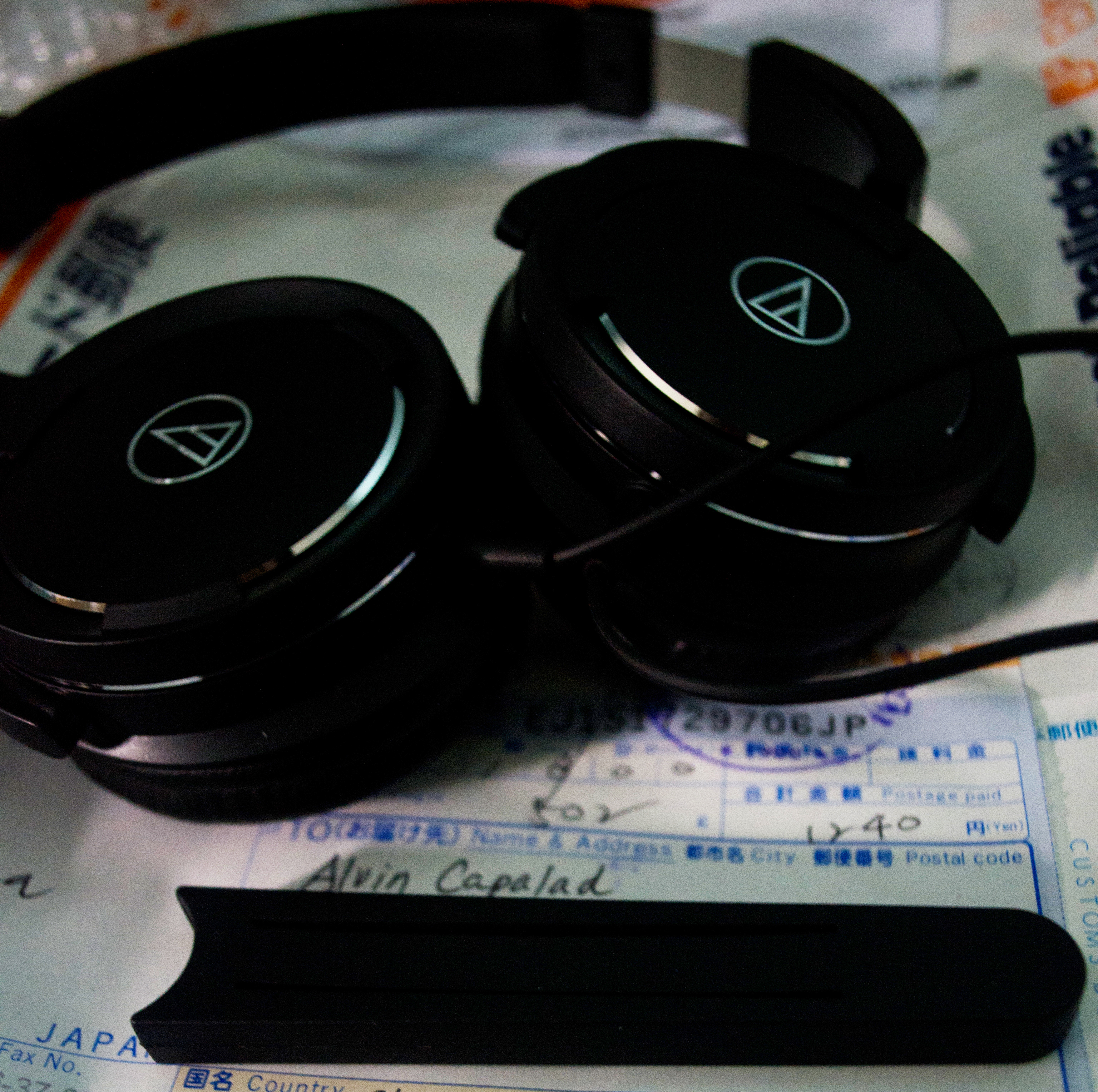 Audio Technica Solid Bass Over Ear Headphones Ath Ws55bk Earphone Cks1100is Fresh Out Of The Box With 0 Burn In Hours I Put Their On My Head Immediately Noticed Signature Hard Clamps An And