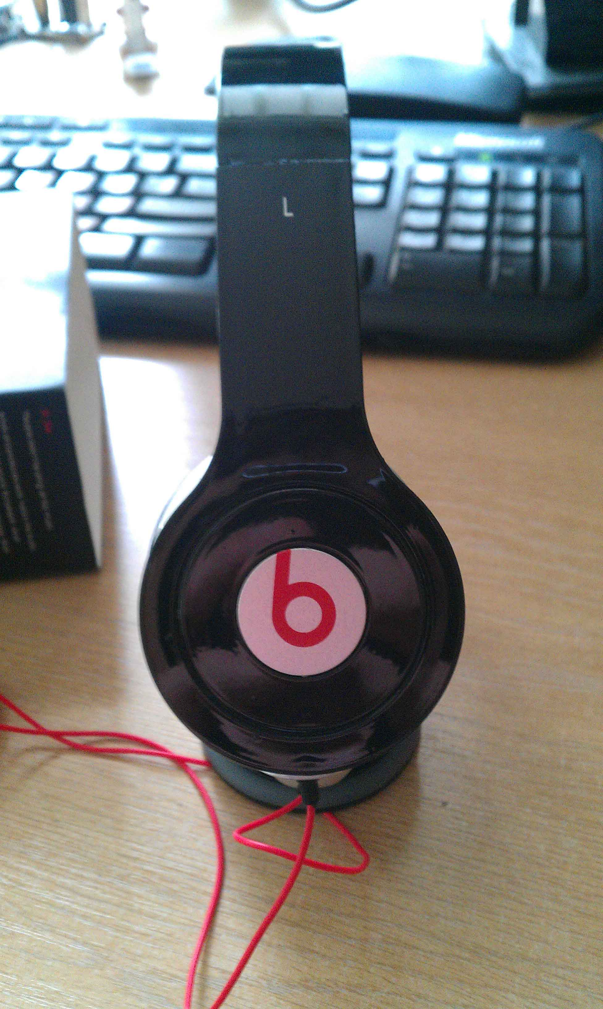Solo: $10 Fake Dr Dre Beats Solo [REVIEW]