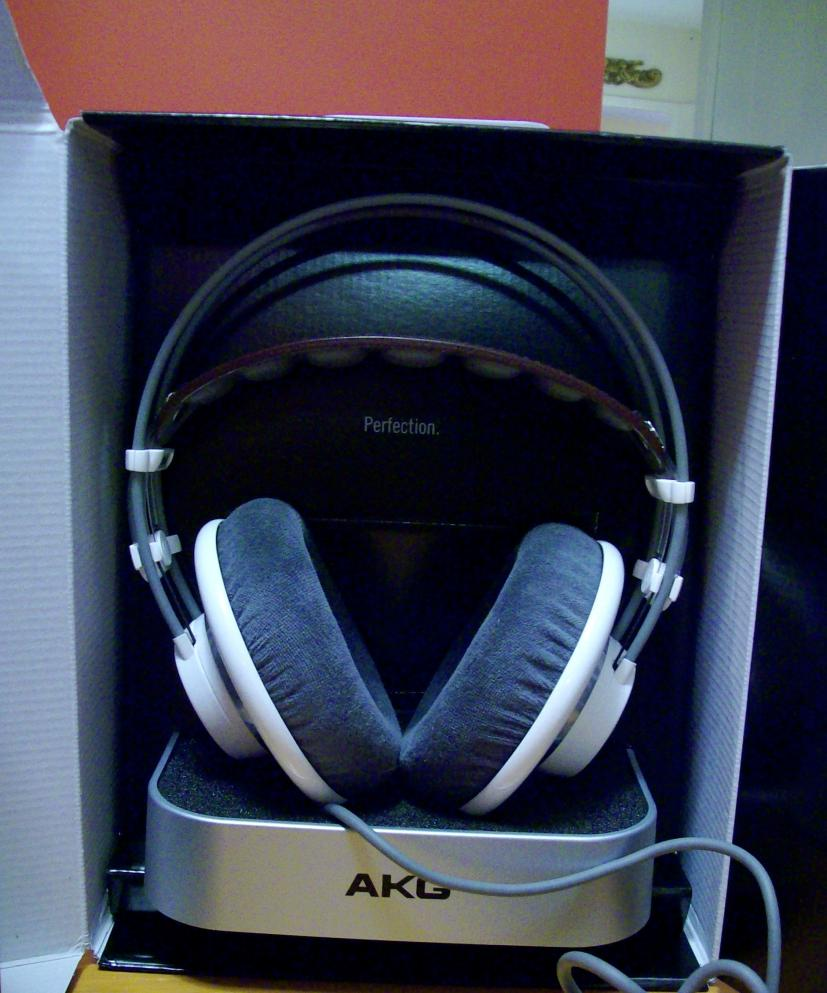 70eb797e372 For Sale: AKG K701 (6 weeks old) in brand new condition (pictures ...