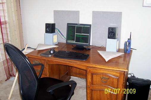speakers desk. vbattach18440.jpg speakers desk