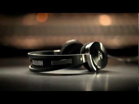 tim_mcgraw_headphones_on-ear.jpg