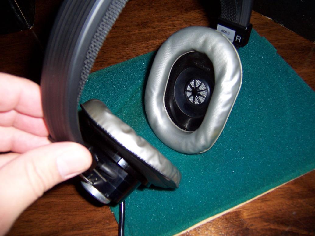 vintage akg headphones. vbattach24238.jpg vintage akg headphones d