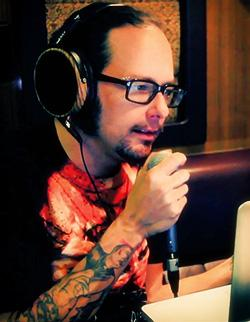 Jonathan_Davis_recording_on_Eclipse_01_250x322.jpg
