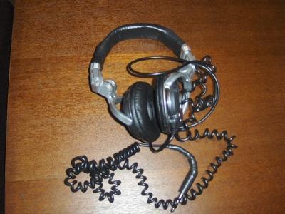 headphones_02.jpg