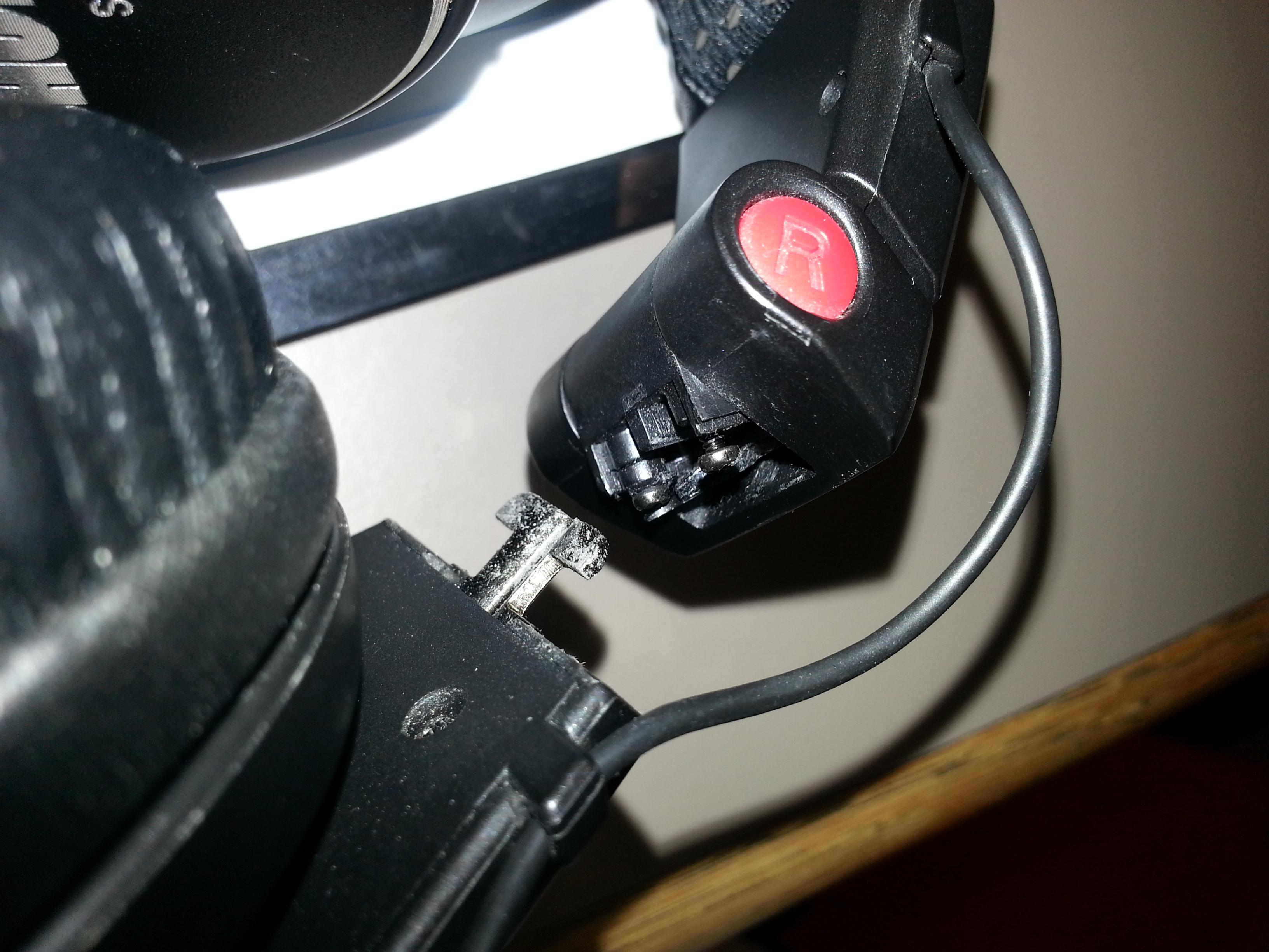 Shure SRH840 broken plastic joint   Head-Fi.org