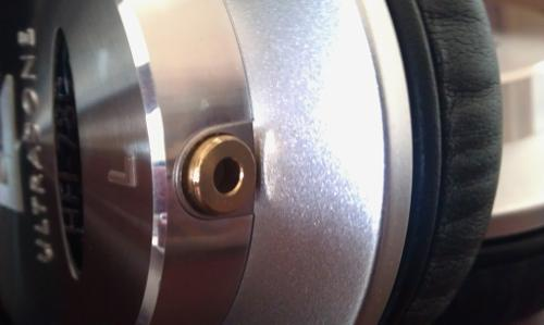 HFI-780RemoveableCableMod2.jpg