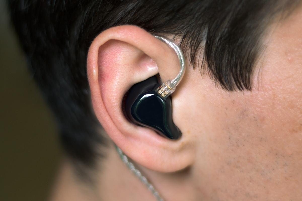 Kết quả hình ảnh cho InEar StageDiver 4 In Ear Headphones Review