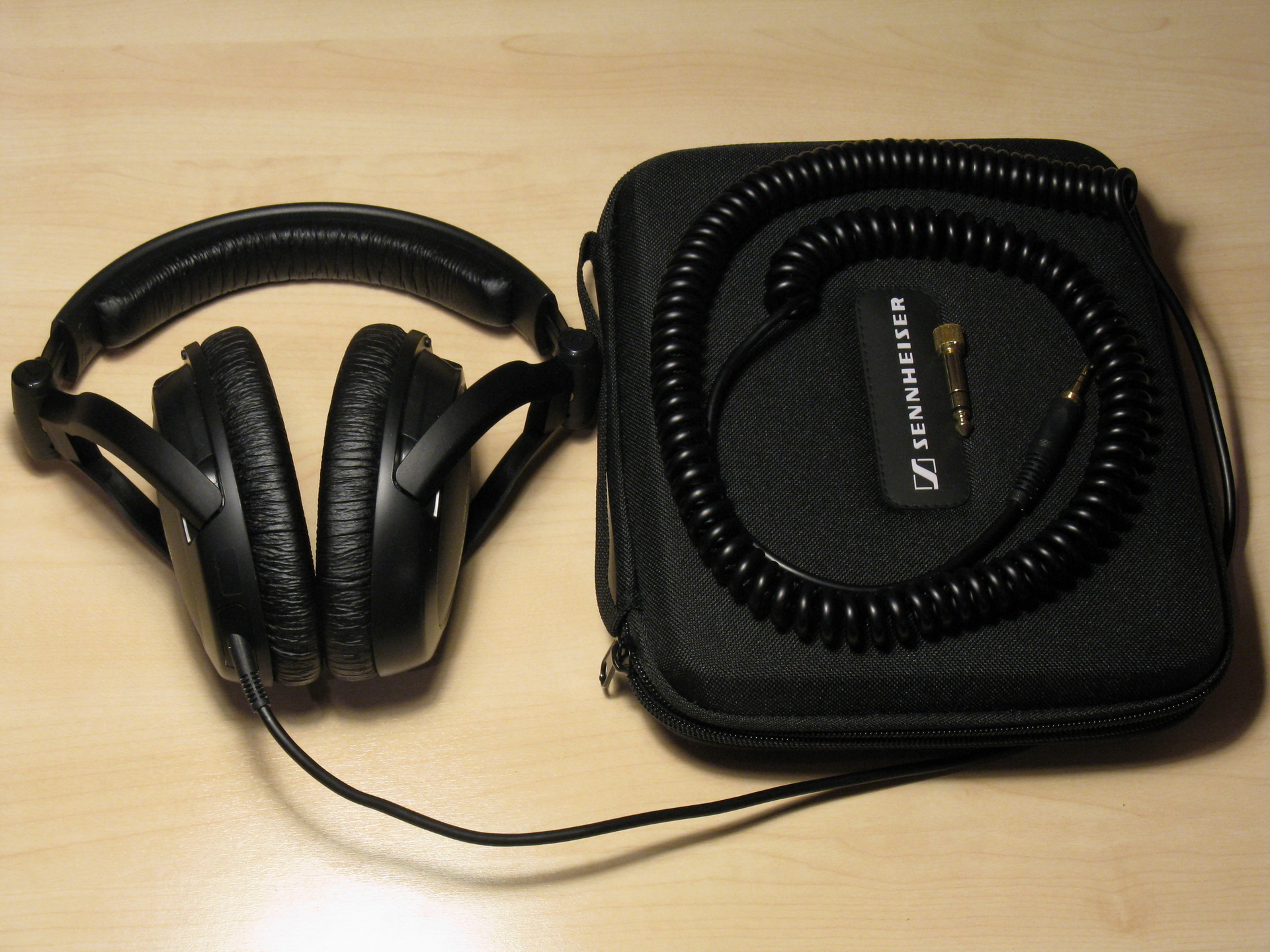 Great Professional Closed Headphones