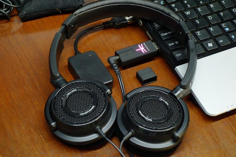 HifiMeDiy Sabre USB DAC (UAE23) and AudioQuest DragonFly