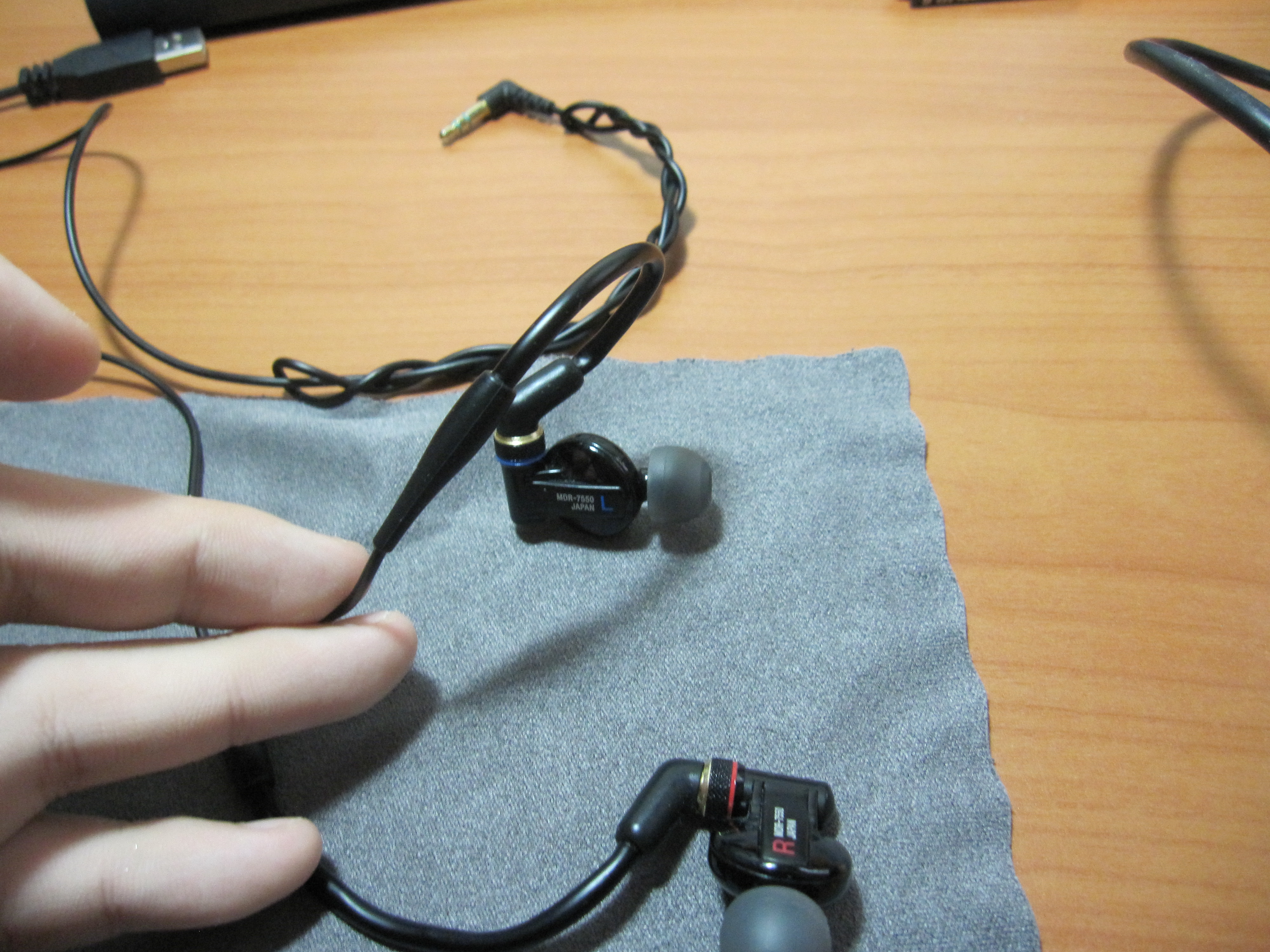 Review: Sony MDR-7550 | Headphone Reviews and Discussion - Head-Fi.org