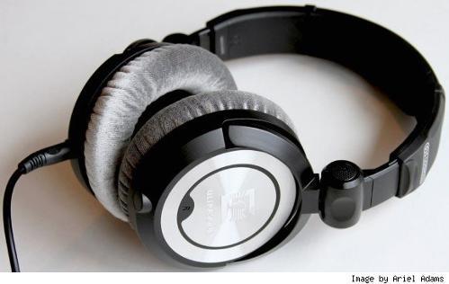 ultrasone-pro-900-headphones-1.jpg