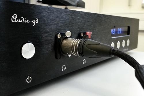 HD800_Balanced_Ref10_32.jpg