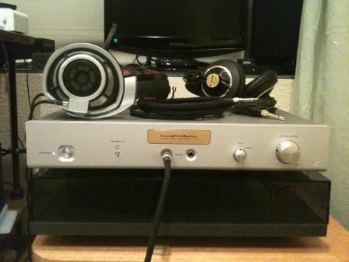 Luxman P-1u with HD800.jpg