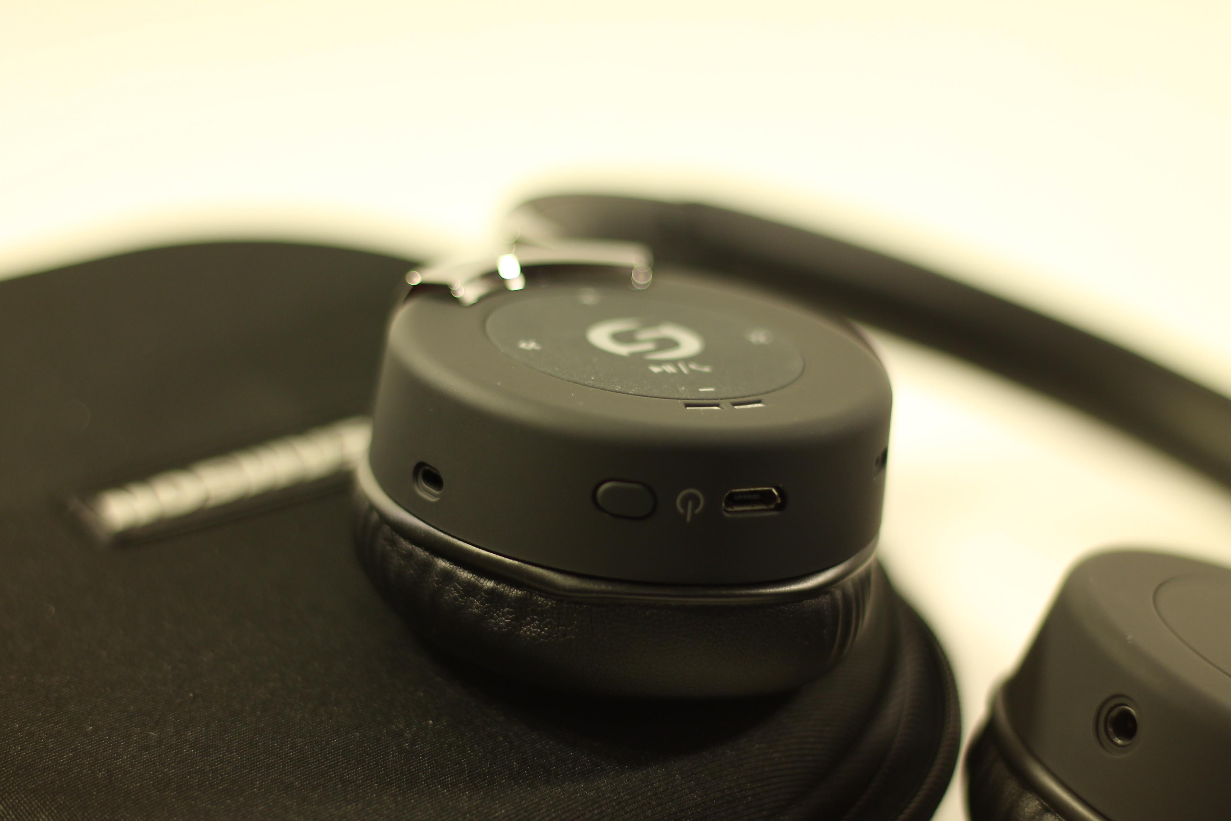 samson rte 2 bluetooth headphones reviews head. Black Bedroom Furniture Sets. Home Design Ideas