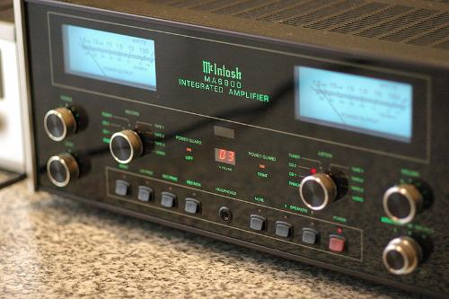 800px-McIntosh_MA6800.jpg