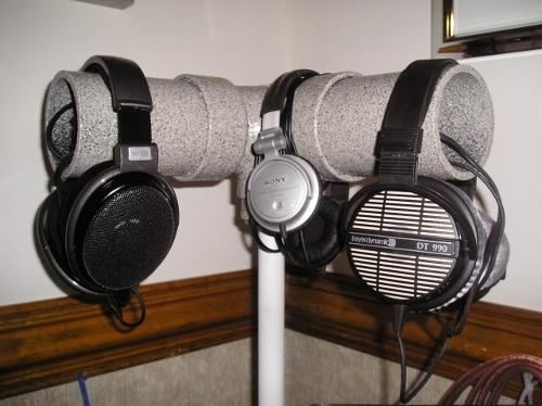 AudiorapturePhoneStand.jpg