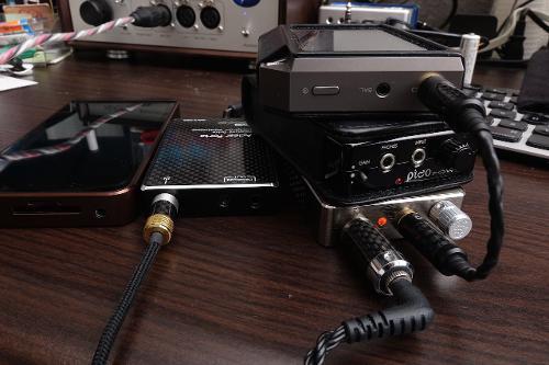 AK240_Portable_amp_stack_JHAudio_Layla_DSC01720.jpg