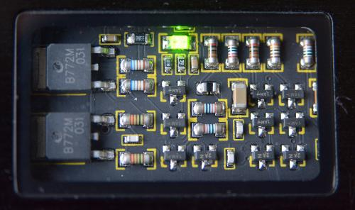 D71_2613-002circuitwindow.jpg