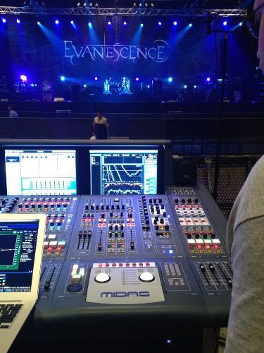 Eddie-Mapp-Evanesence-Dubai.jpg