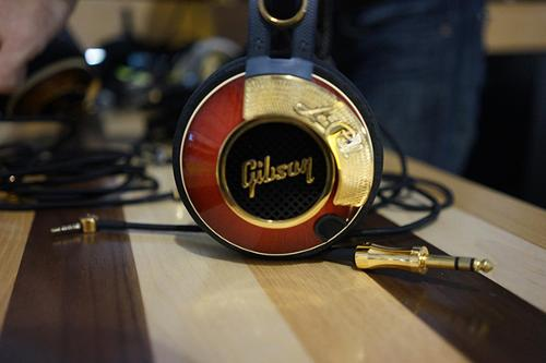 Gibson-Headphones-011.jpg