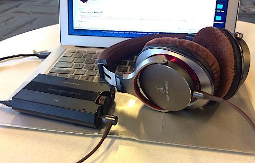17.WithMacBook.jpg