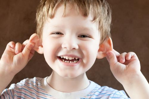 boy-pulling-ears-150320.jpg