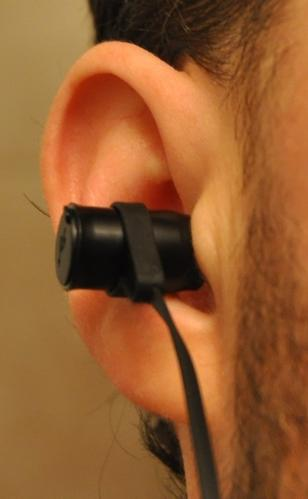 BLU-200_Ear1.jpg