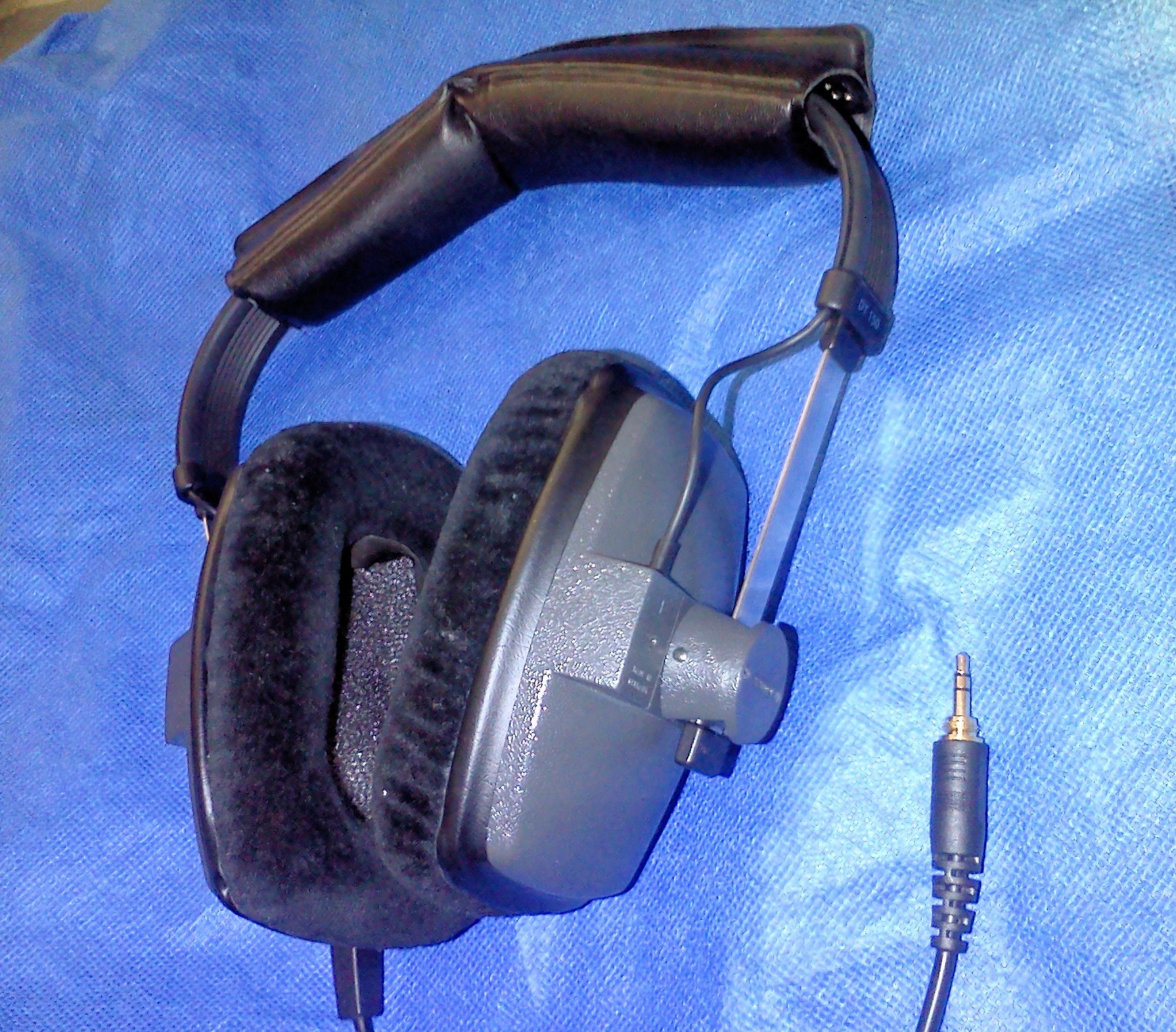 beyerdynamic dt 150 bloody brilliant page 126 headphone reviews and discussion head. Black Bedroom Furniture Sets. Home Design Ideas