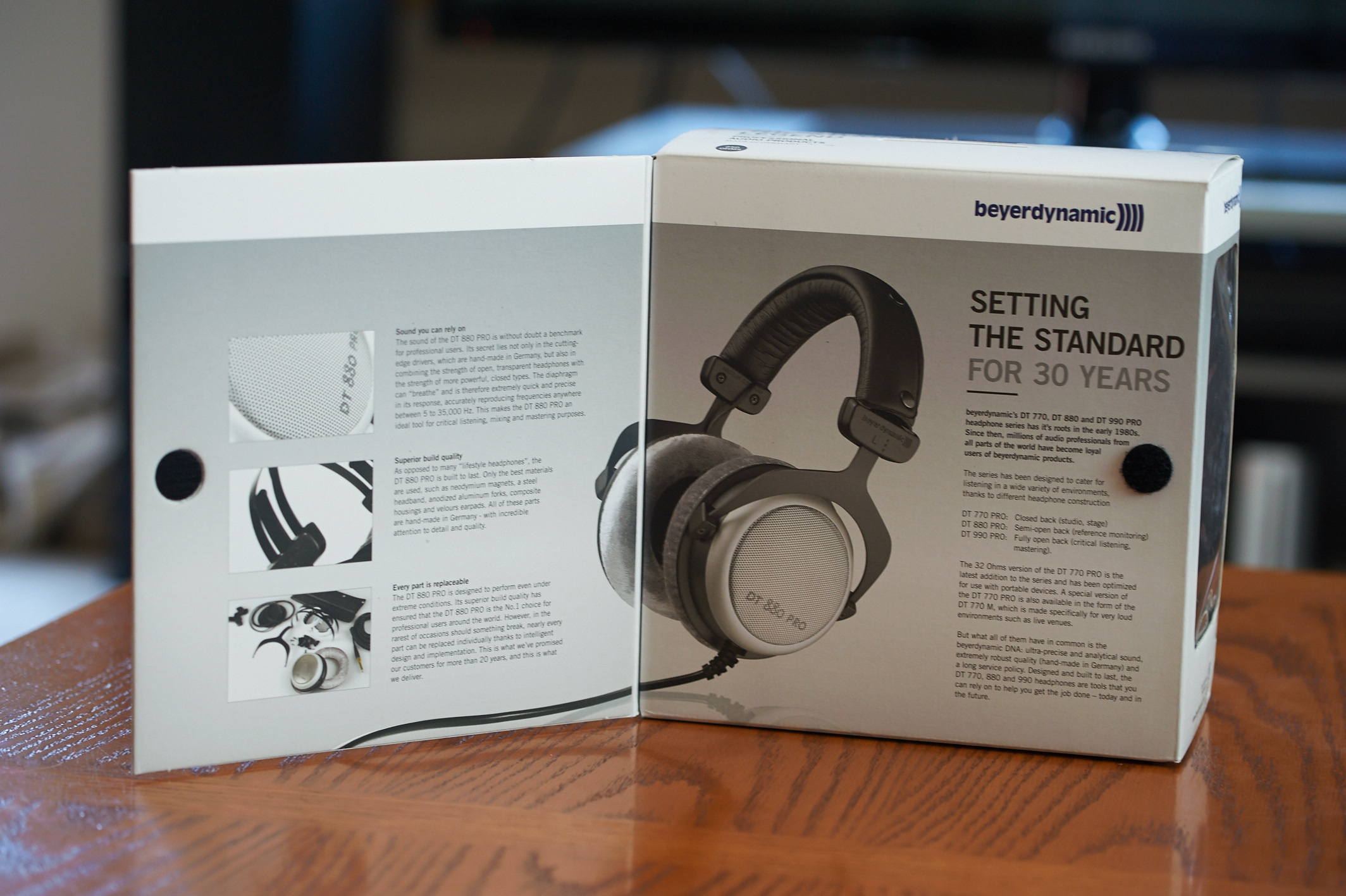 c9cb47fe7b9 Beyerdynamic DT 880 Pro 250 OHM Semi-open reference headphone ...