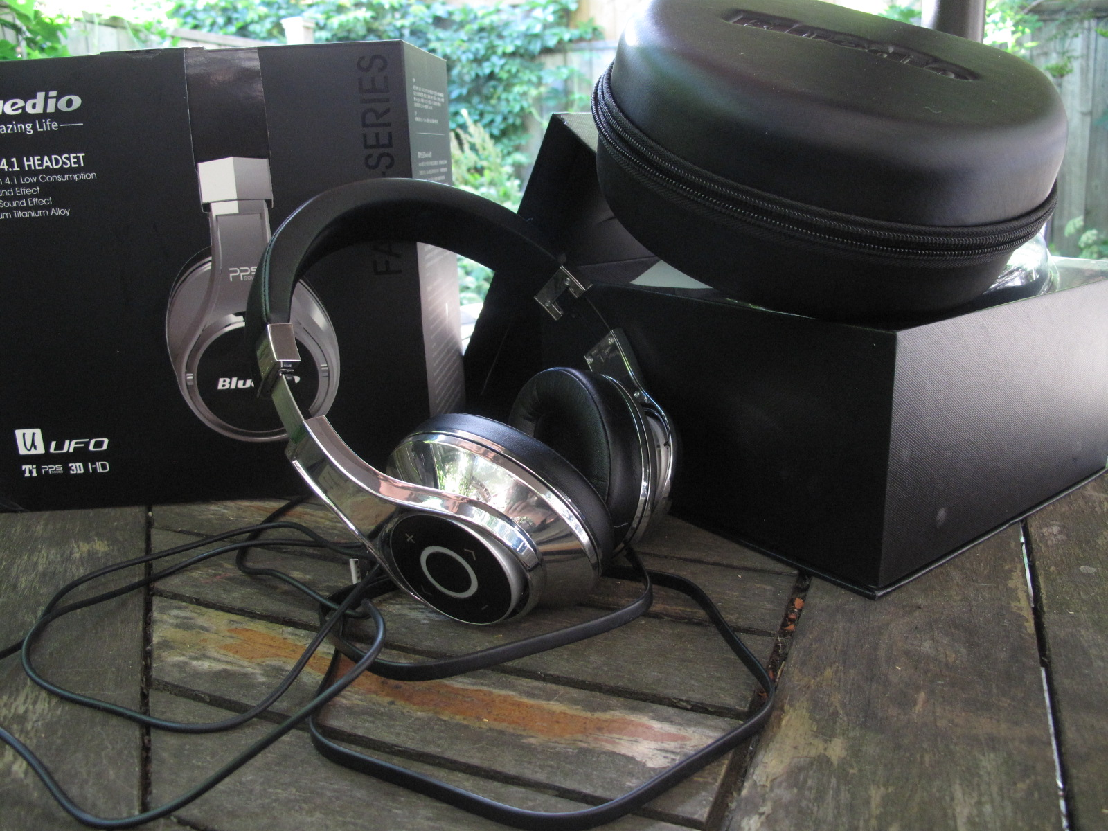 Bluedio U Ufo Pps 8 Drivers Over Ear Bluetooth Wireless Headphone Premium Headset High End Headphones So What To Me Was An Unknown Entity Is Fairly Well Known Amongst The Crowd Suffice Say There A Fair Amount Metal In Construction