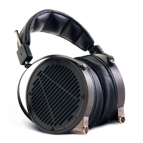 Audeze-LCD-X-Leather-SeatedL-01-600x600.jpg