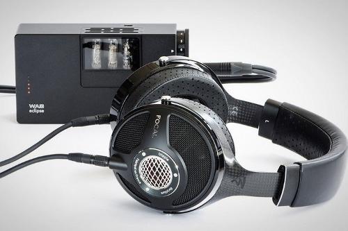 Utopia-Headphones-3.jpg