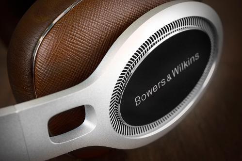 BowersWilkinsP9-Hifiheadphones-3.jpg