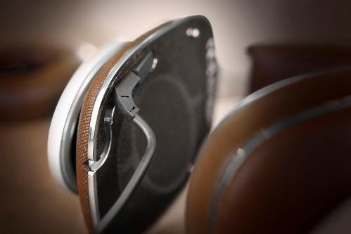 BowersWilkinsP9-Hifiheadphones-5.jpg