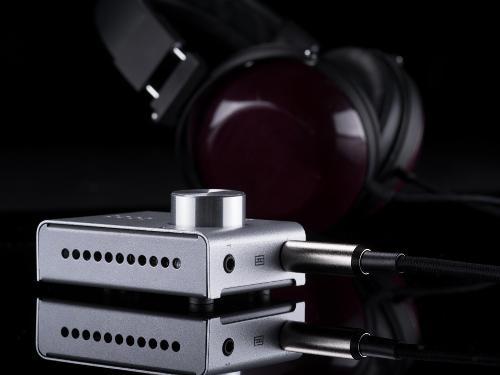 fulla-headphones-1920.jpg