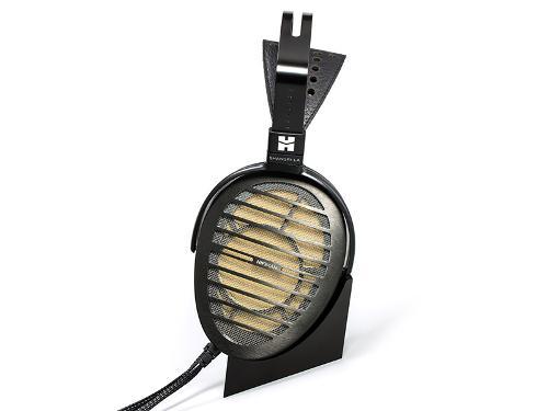 HiFiMan-Shangri-La-Headphones-stand_cable.jpg