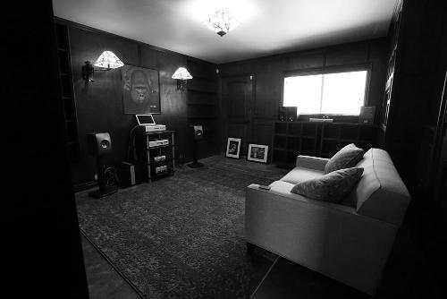schiit-speaker-room.jpg
