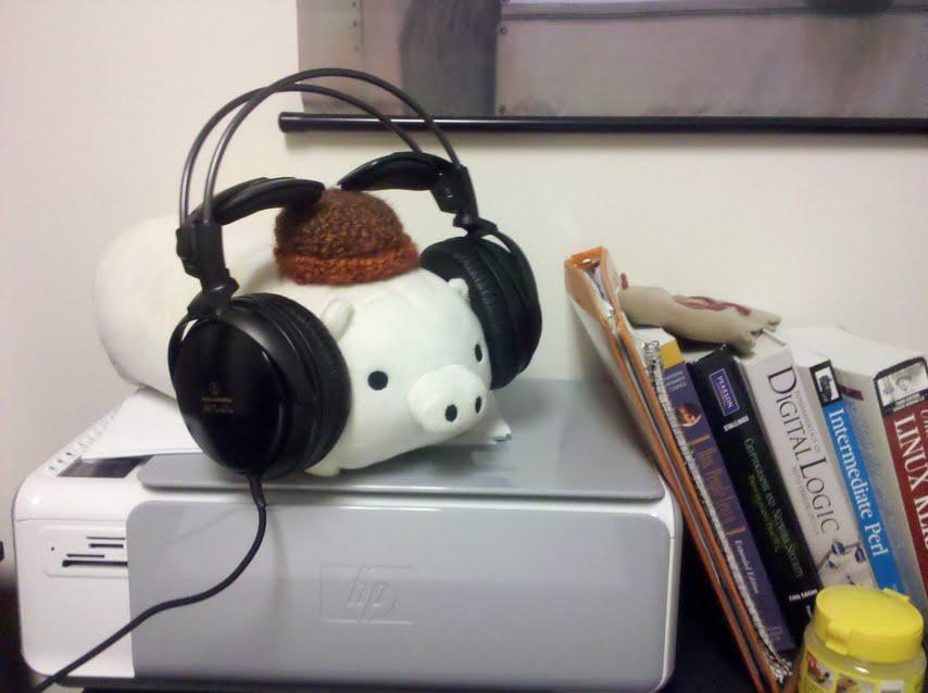 """Pig x 4 (read: """"pig by four"""") never takes his hat off, even for super-comphy a700's"""