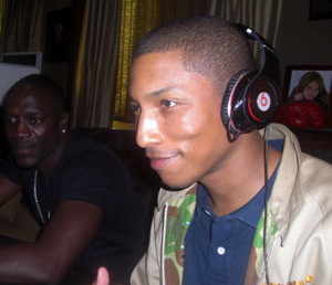 pharrell-williams-and-monster-beats-by-dr-dre-headphones-gallery.png
