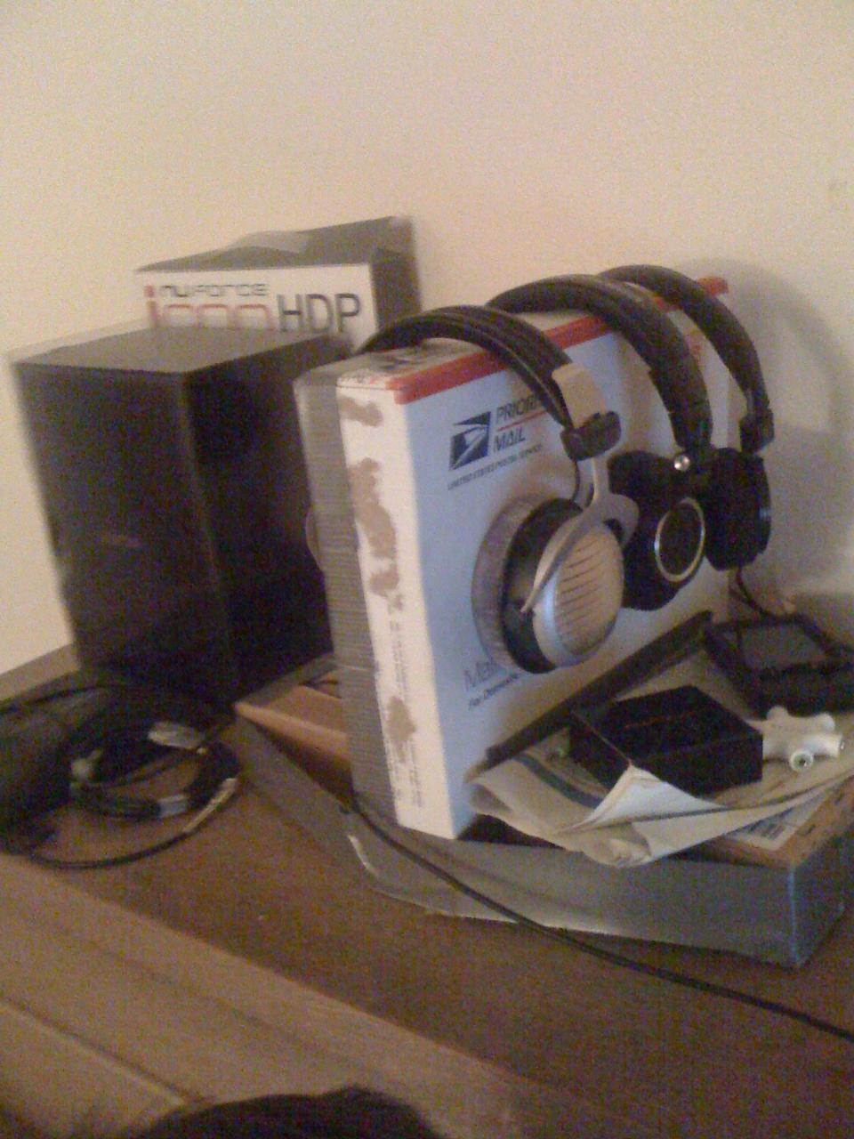 headphonestation.JPG