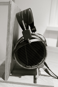 DIY_headphone_stand_Audeze_LCD-2_6.png