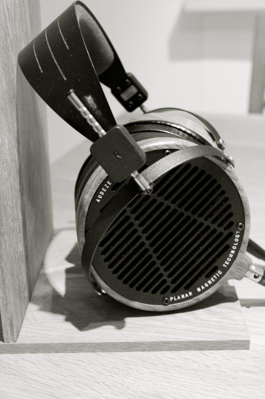 DIY_headphone_stand_Audeze_LCD-2_5.png
