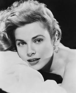 Grace-Kelly-grace-kelly-6360226-627-768.jpg