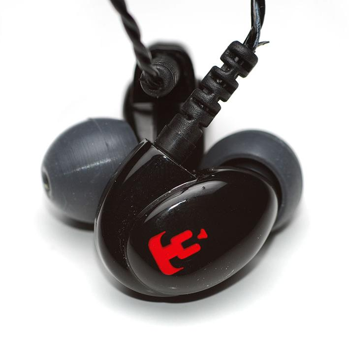 the_earphones_3.jpg