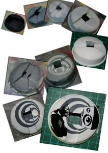Custom Cans painting headphones