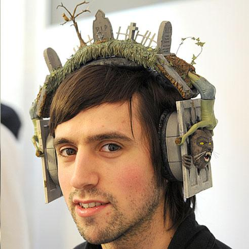 mj-extra-bass-headphone.jpg