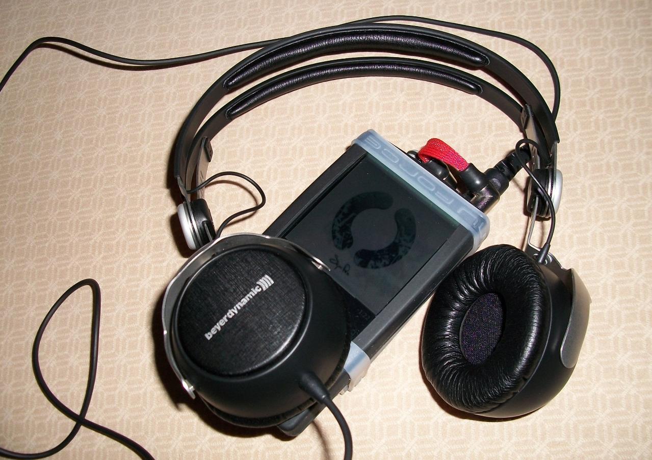 Beyer DT1350 + Zune120 + Mini3.jpg