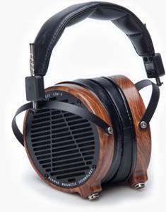 lcd2-headphone01_0.jpg